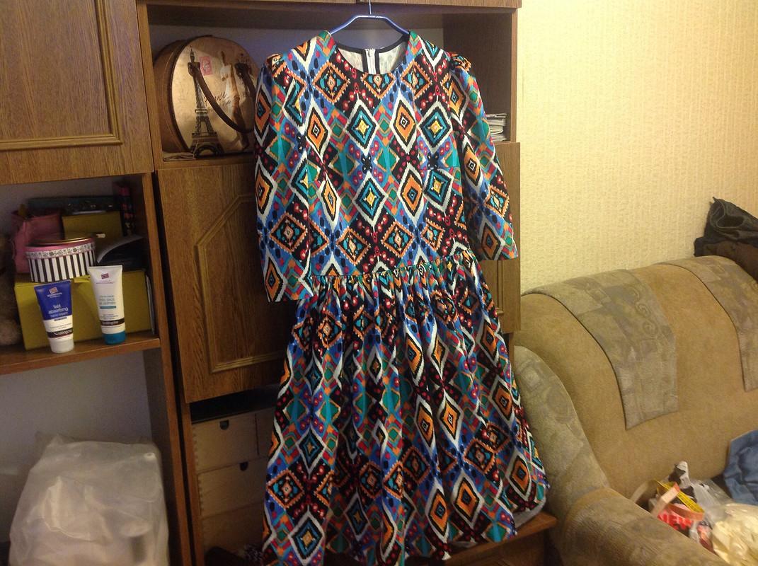 И снова платье!