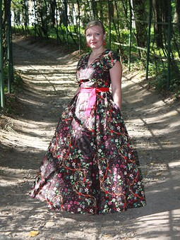 Работа с названием платье с птицами