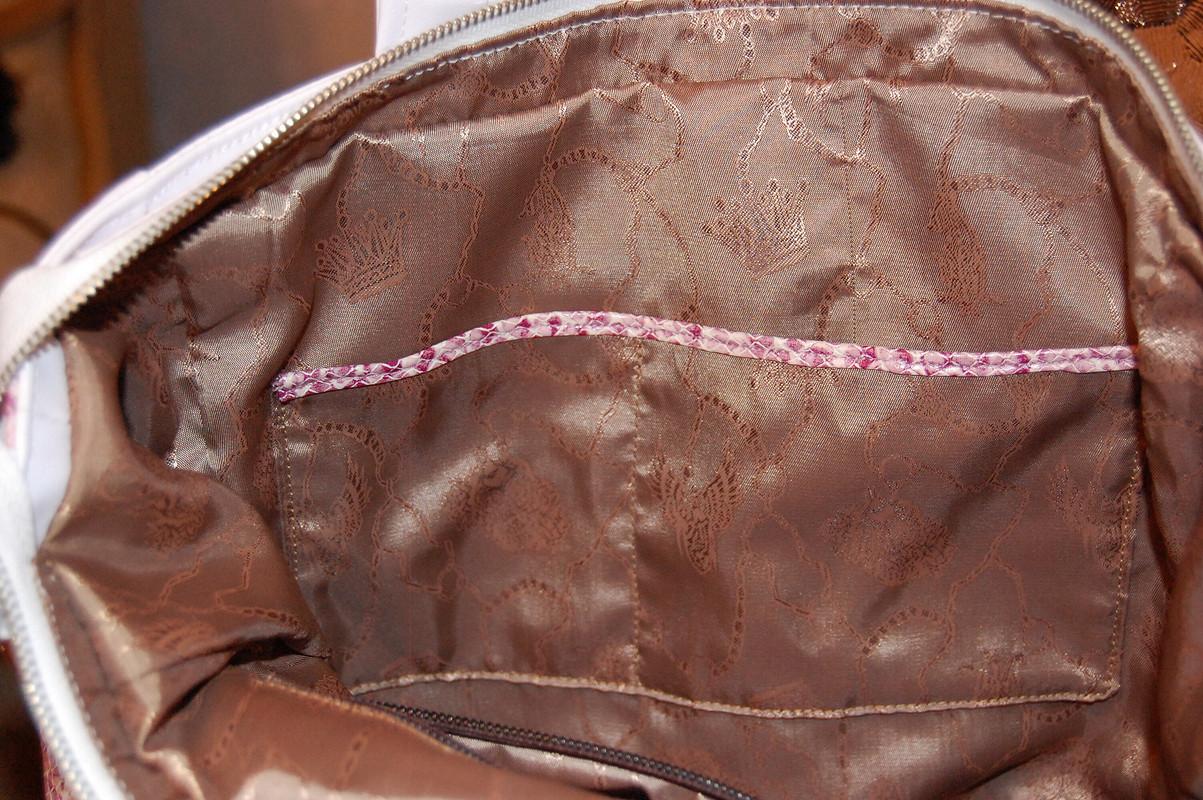 Розовый питон