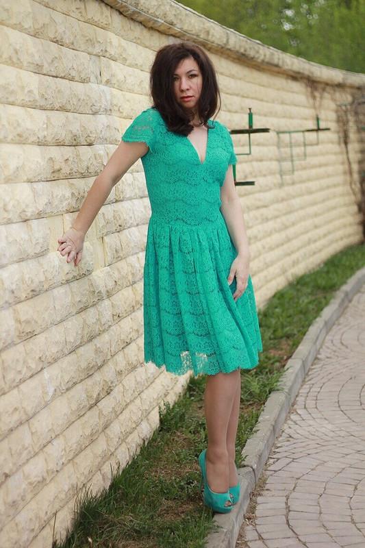 Платье, лягушка..или зеленое кружево :)
