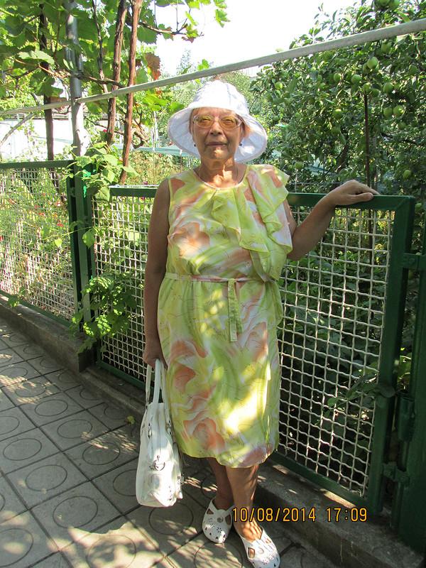 Нарядная бабушка от swetusi