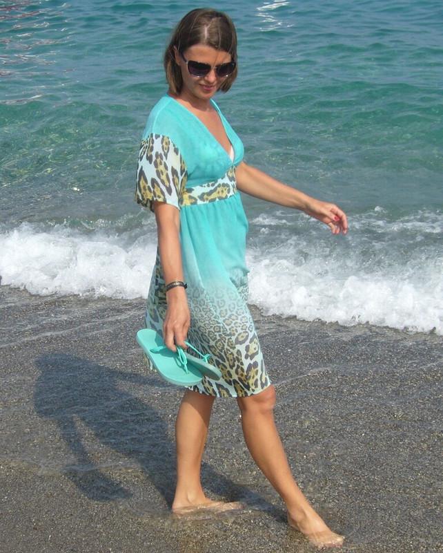 Ххищно-бирюзовое платье дляпляжа