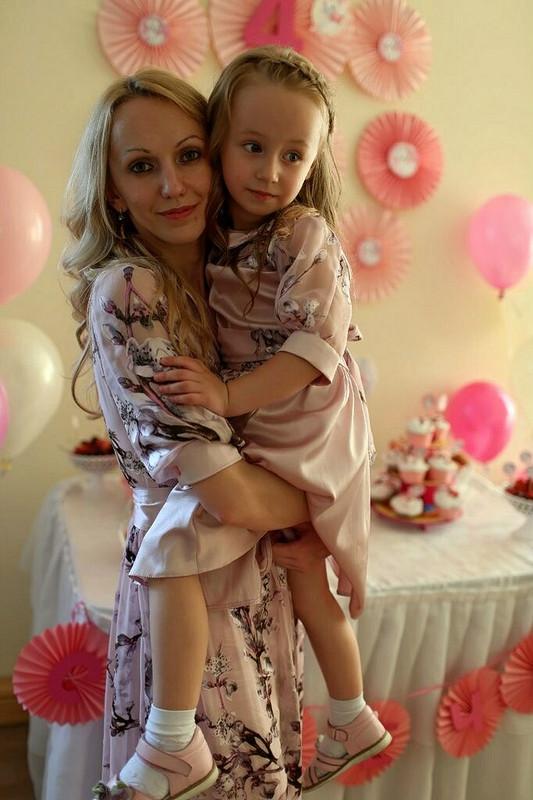 Мама + дочка!