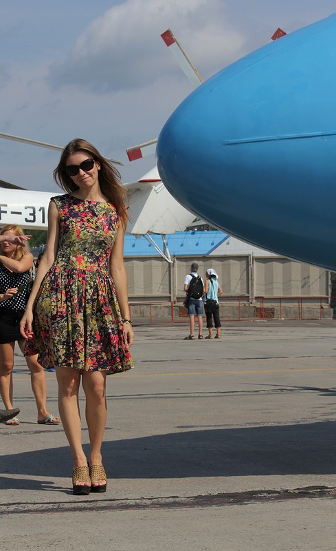 Платье, самолёты... День Воздушного Флота!