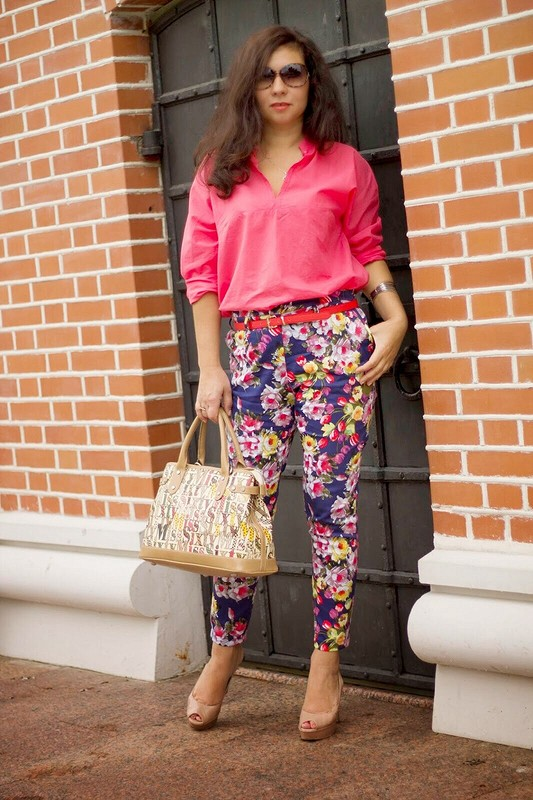 Блуза ибрючки- цветулечки :)