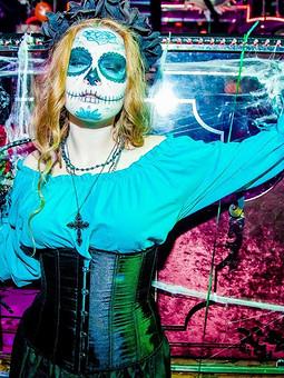 Работа с названием The Beautiful Death. Bella Muerte