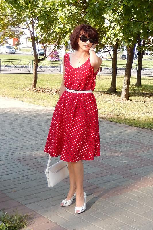 Моё платье вгорошек.