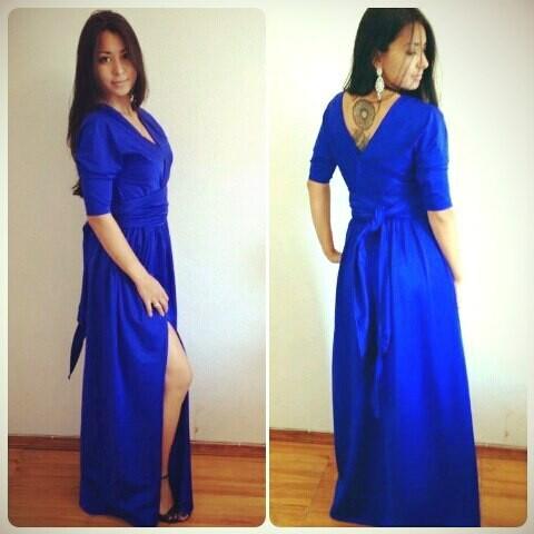 Глубоко-синее платье