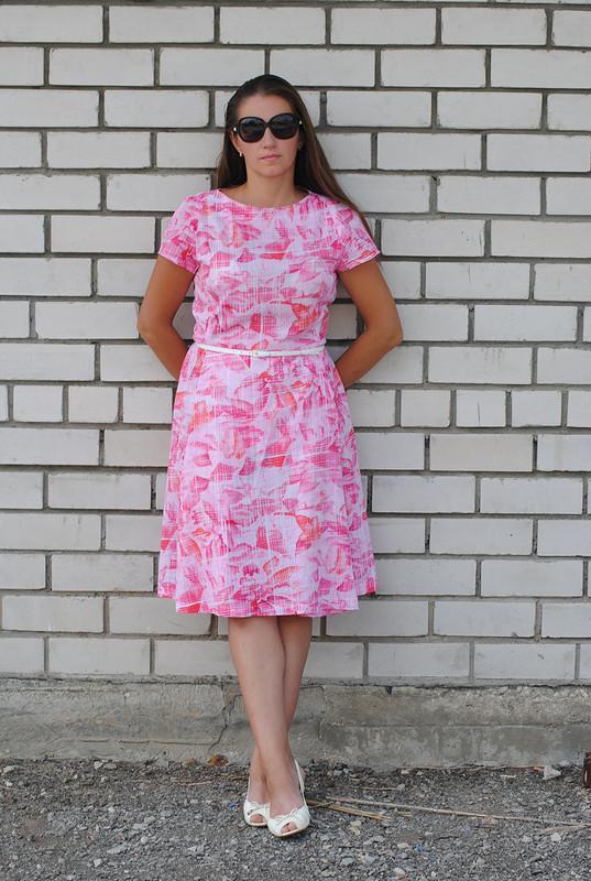 Розовое платьишко