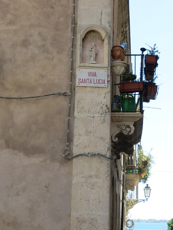 Good message ... или скромное hommage дляJ.C.Castelbajac ... или просто платье спозитивным посланием.