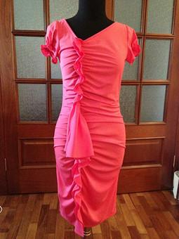 Работа с названием Платье с драпировкой
