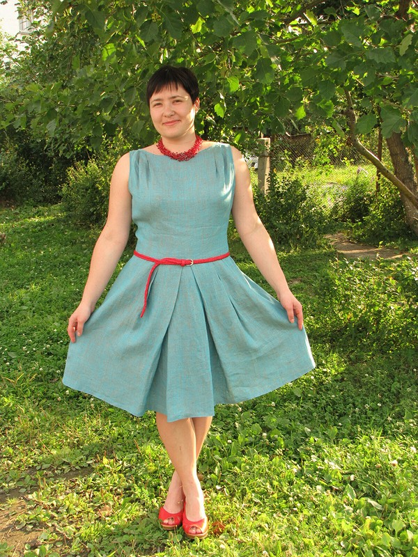 Льняное платье.