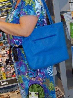 Работа с названием летнее платье и синий мешок