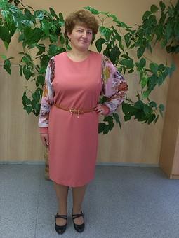Работа с названием Мартосентябрьское платье