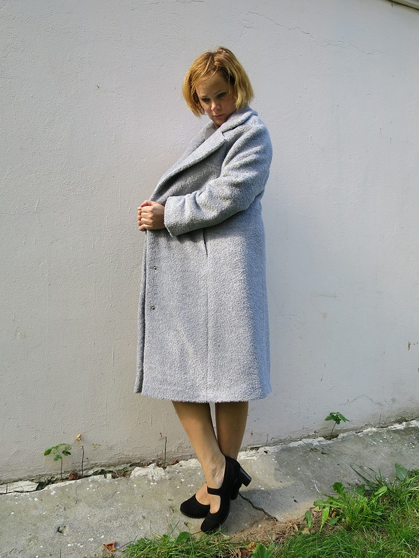 Пальто цвета жемчуга