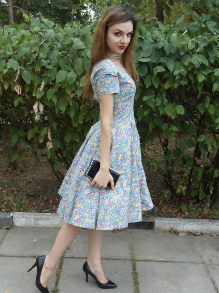 Платье повыкройке 50-х годов