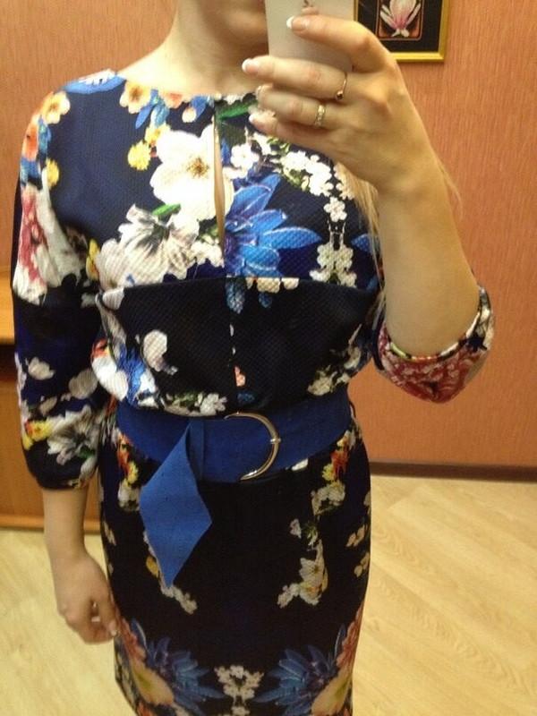 Платье вцветок