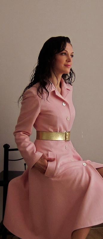 Розовое пальто осень 2013