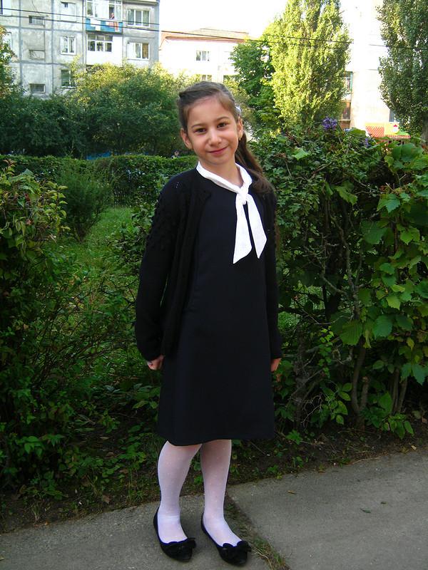 Продолжение школьной темы: сарафан школьный + блузка.
