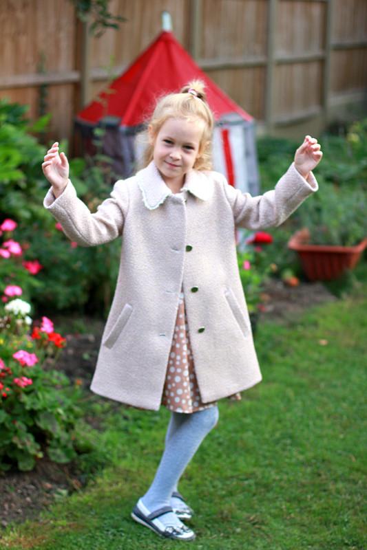 Девочкам всегда нужно пальто