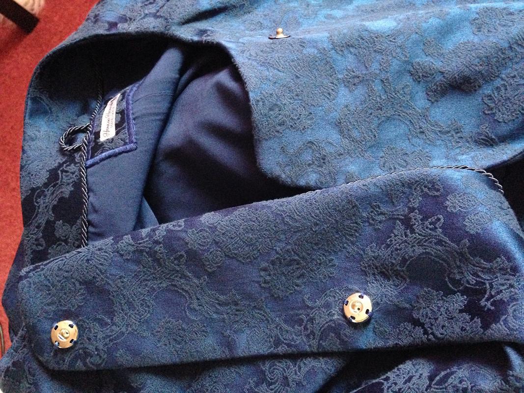 Короткое жаккардовое пальто