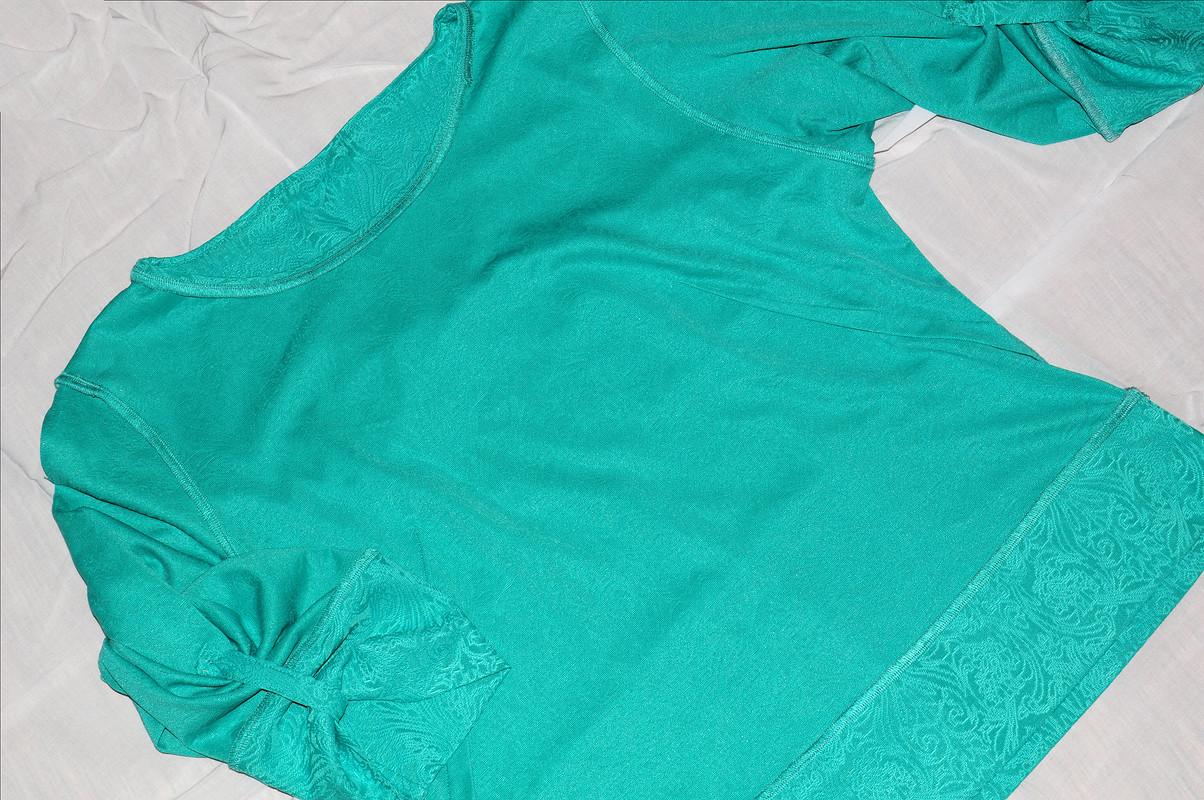 Зелёная кофтейка