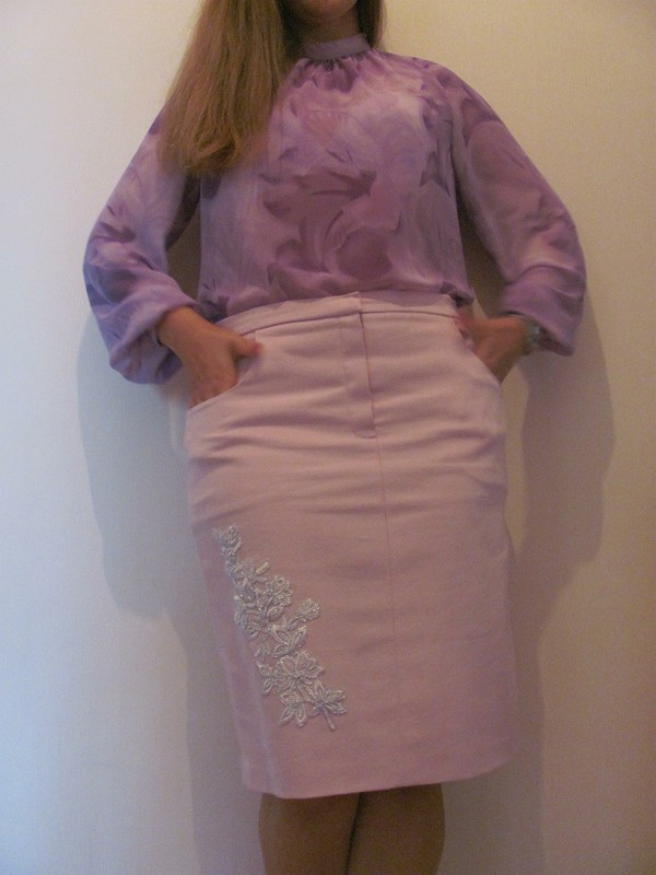 Розовая юбочка.