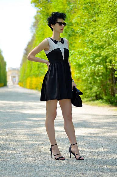 Мини-платье «class=