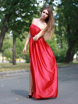 Работа с названием шикарное простецкое платье))))