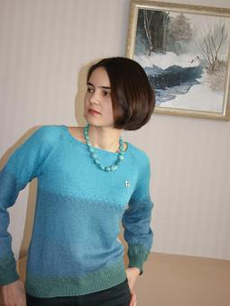 Работа с названием Бирюзовый пуловер