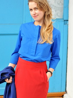 Работа с названием Блуза и юбка