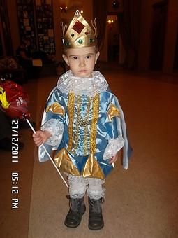 Работа с названием Его Величество Царь!