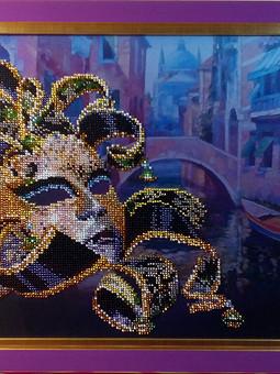 Работа с названием Венецианская маска