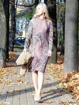 Работа с названием Платье ноября