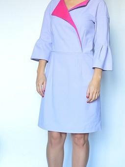 Работа с названием Платье с розовыми отворотами