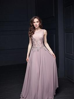 Работа с названием Платье с вышивкой