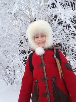 Работа с названием Пальто на меху для дочери