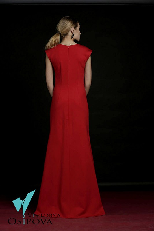 Алое платье от Viktoria