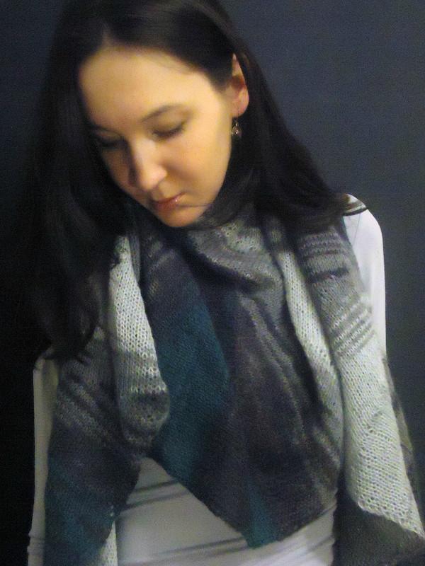 Веерообразная шаль