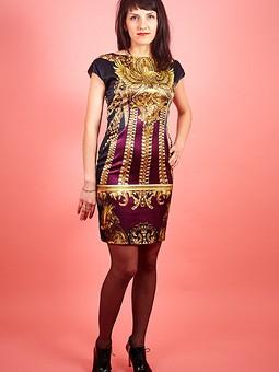 Работа с названием Гербовое платье