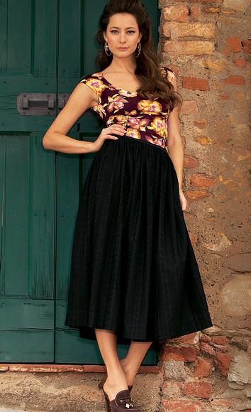 Черная юбка ицветная шаль