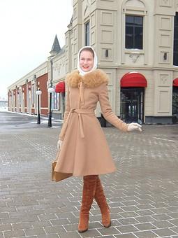 Работа с названием Романтичное и элегантное пальто