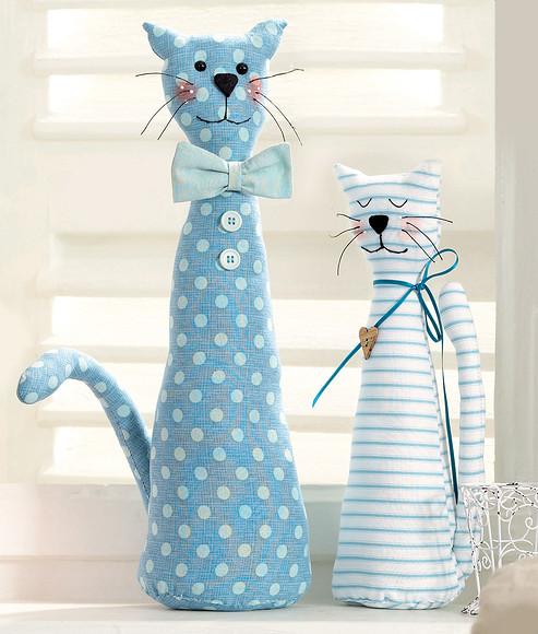 Кошечки длядетской комнаты: шьем игрушки