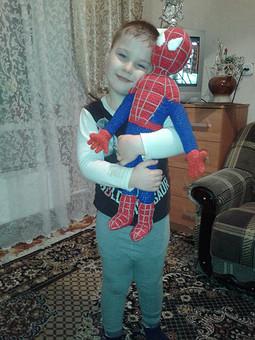 Работа с названием человек паук для внучка