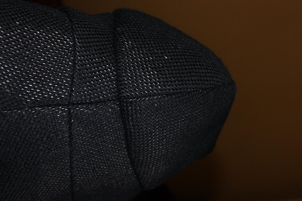 Маленький чёрный жакет