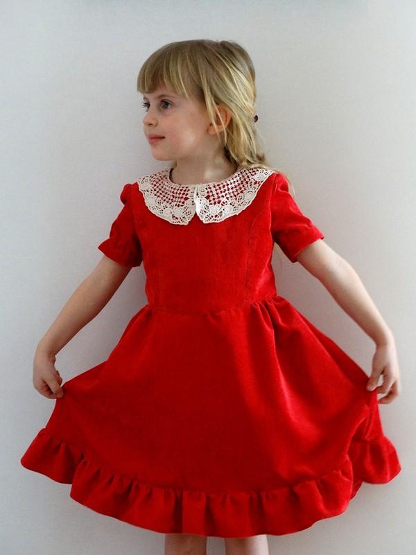 Красное платьице от Pionella