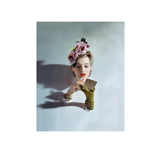 В Москве открылась уникальная фотовыставка орождении моды