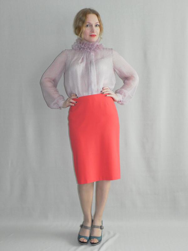 Блузка своротником викторианской эпохи