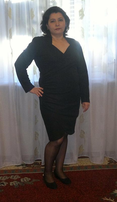 Универсальное черное платье
