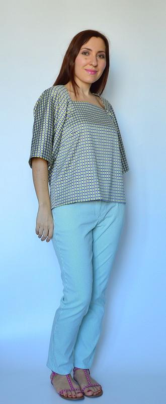 Блуза сгигантскими рукавами
